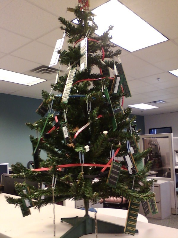 recycled-christmas-tree-office-computer