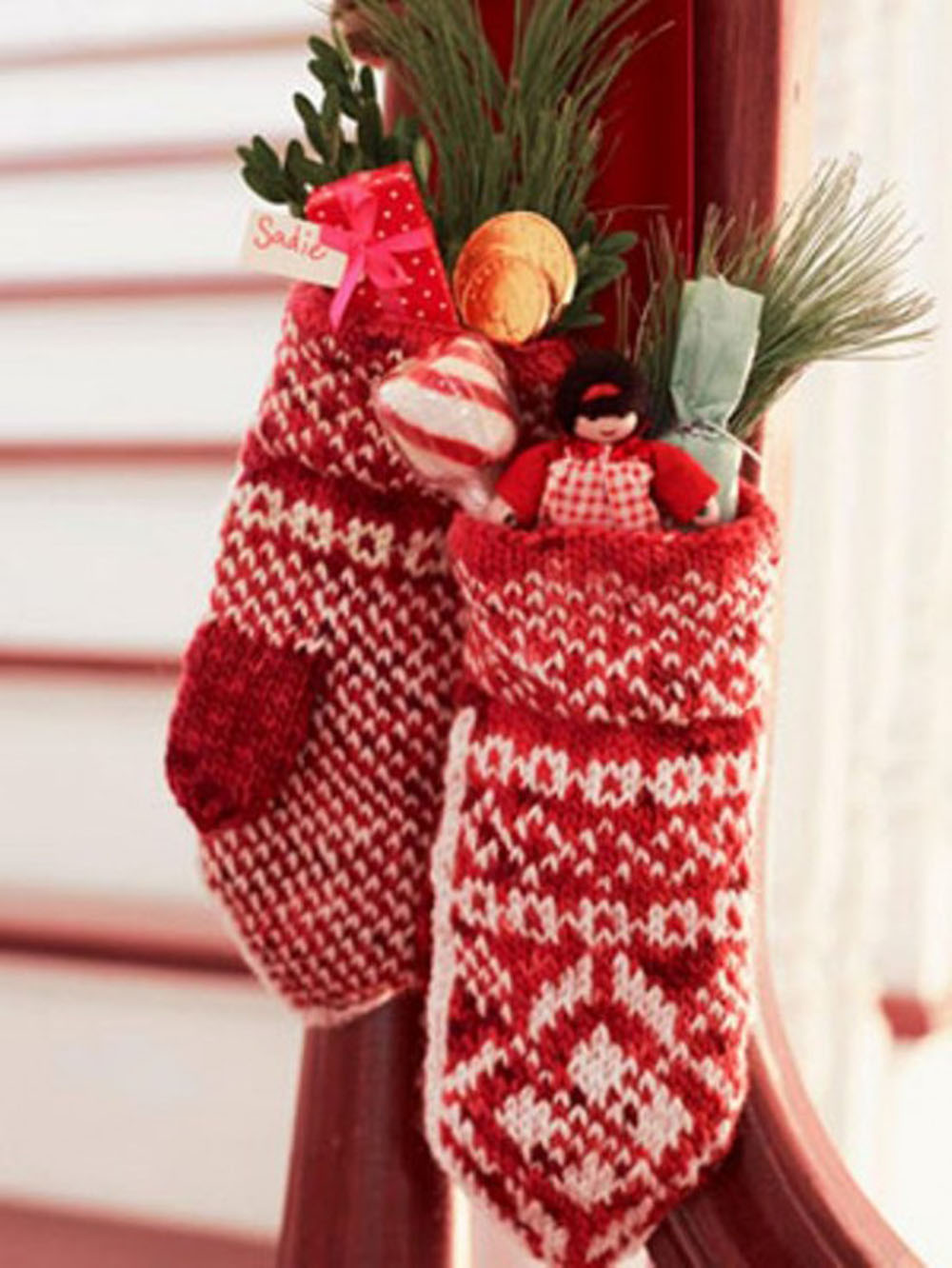 red-christmas-stocking-decoration-ideas