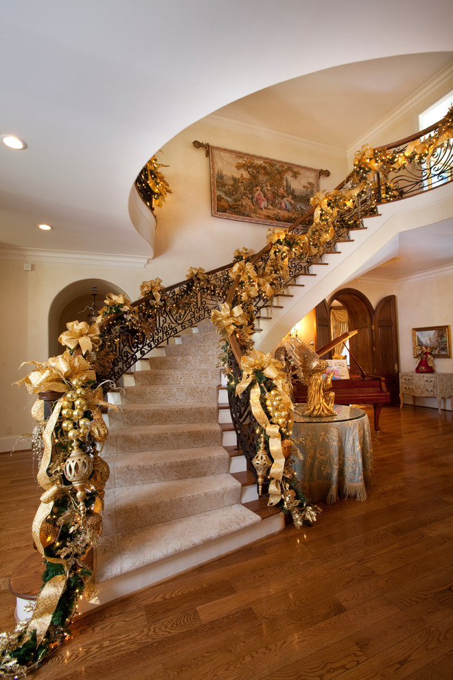 ribbon-christmas-staircase-decorating-ideas