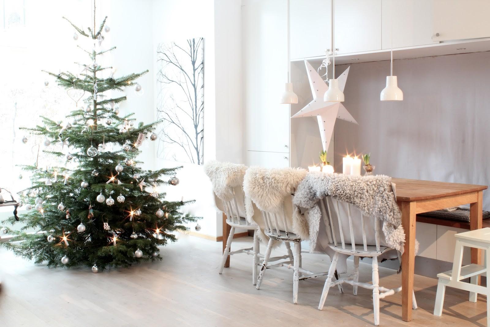 scandinavian-christmas-tree-design