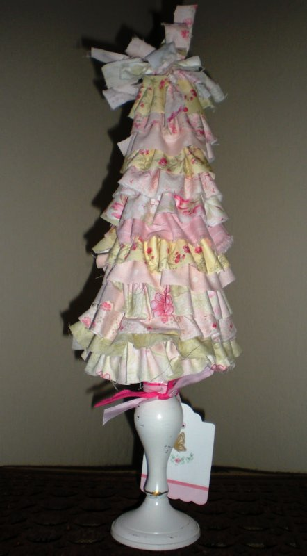 shabby-chic-christmas-tree-design-idea