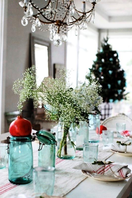 simple-christmas-table-setting