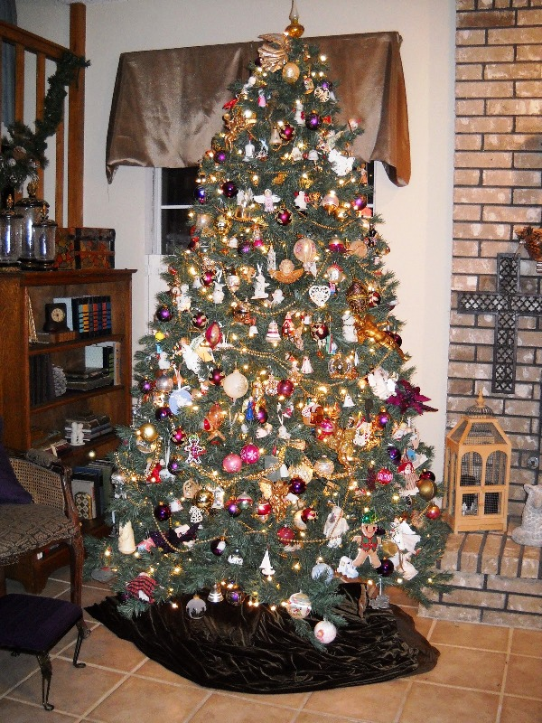 33 Traditional Christmas Tree Decorations - Decoration Love