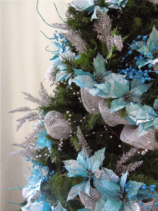 turquoise-and-silver-christmas-tree-design-fine