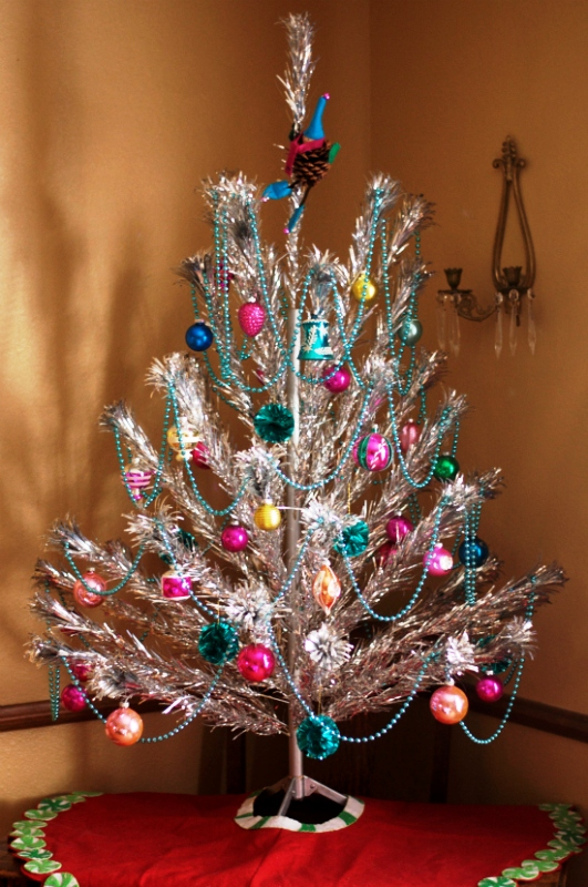 vintage-aluminum-christmas-tree-design