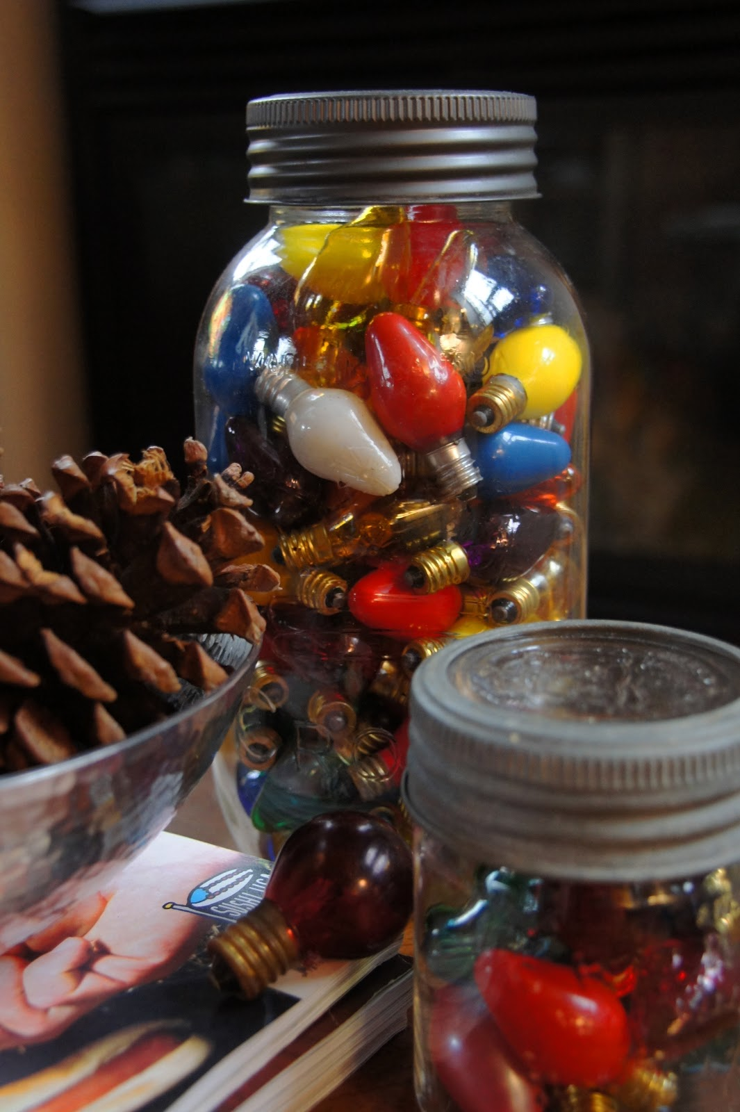 vintage-christmas-decorating-with-mason-jars