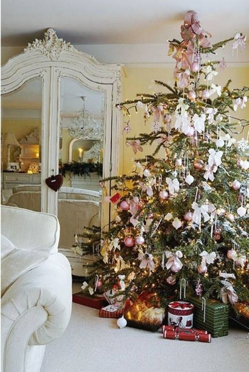 vintage-shabby-christmas-tree