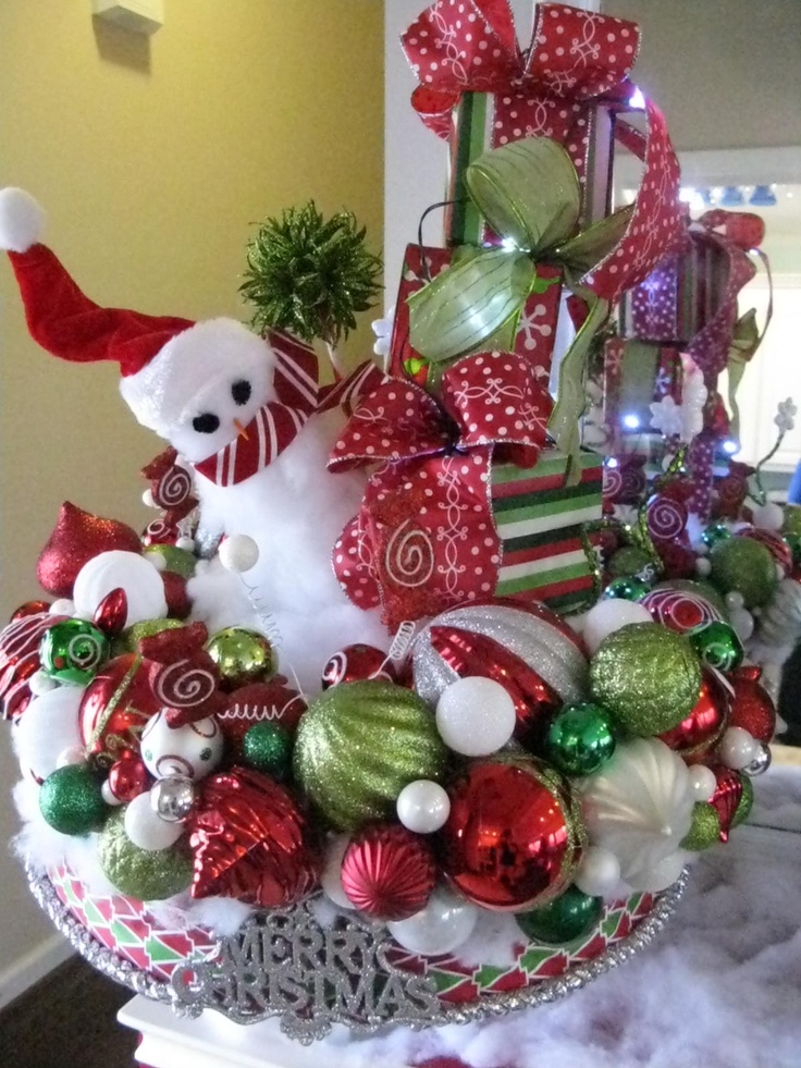 whimsical-christmas-centerpiece