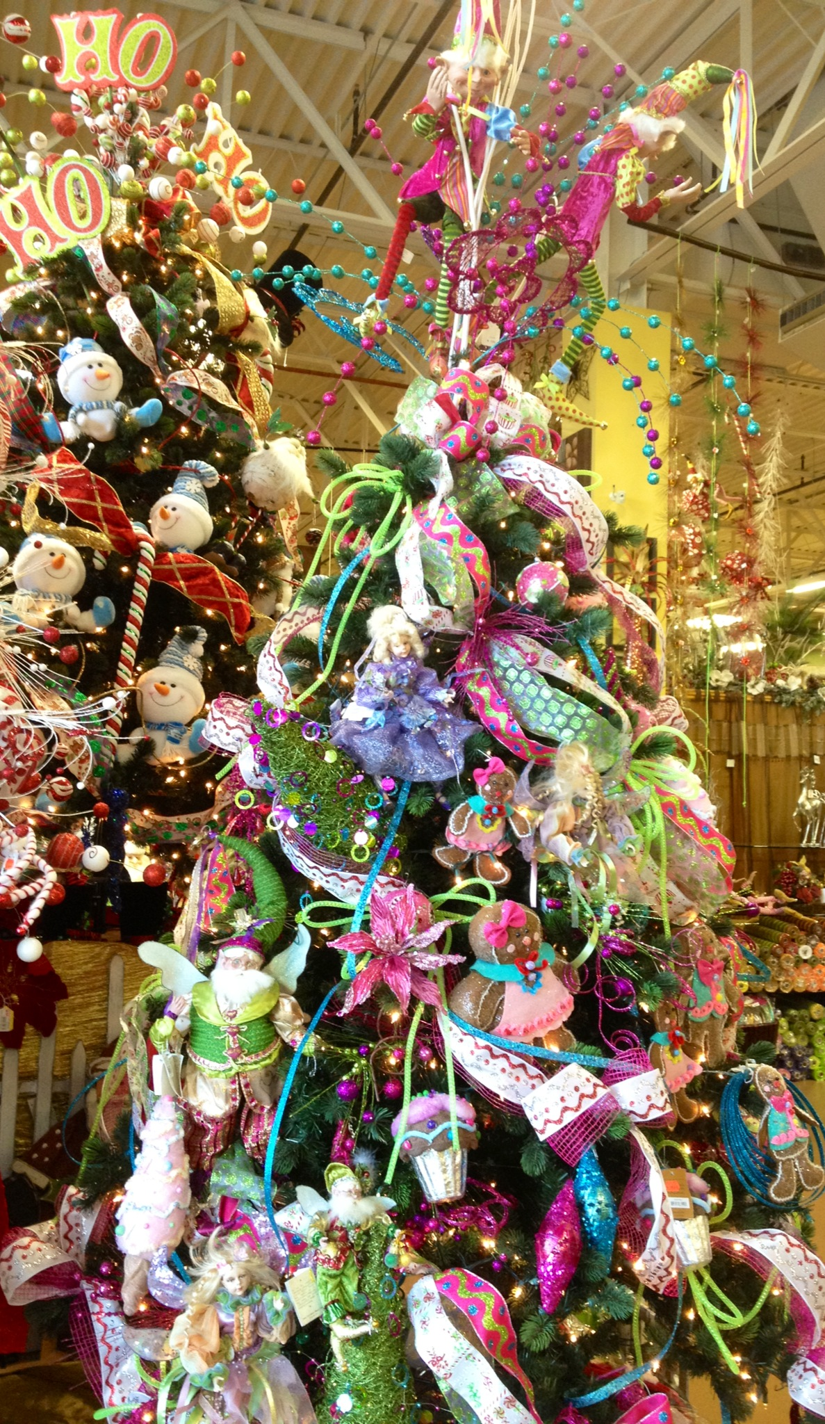 whimsical-christmas-tree-design