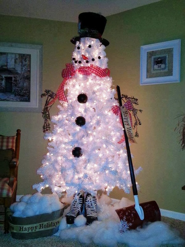 white-christmas-tree-as-snowman