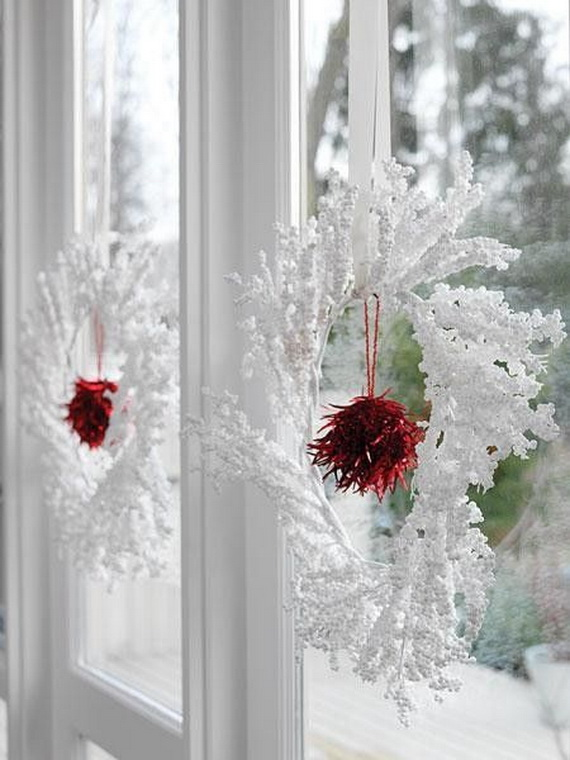 white-christmas-wreaths-decorating-ideas