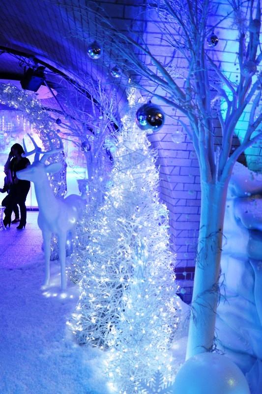 white-winter-wonderland-christmas-tree
