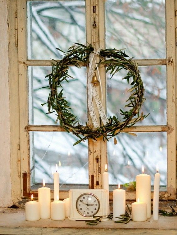 window-christmas-wreath-candle-decor