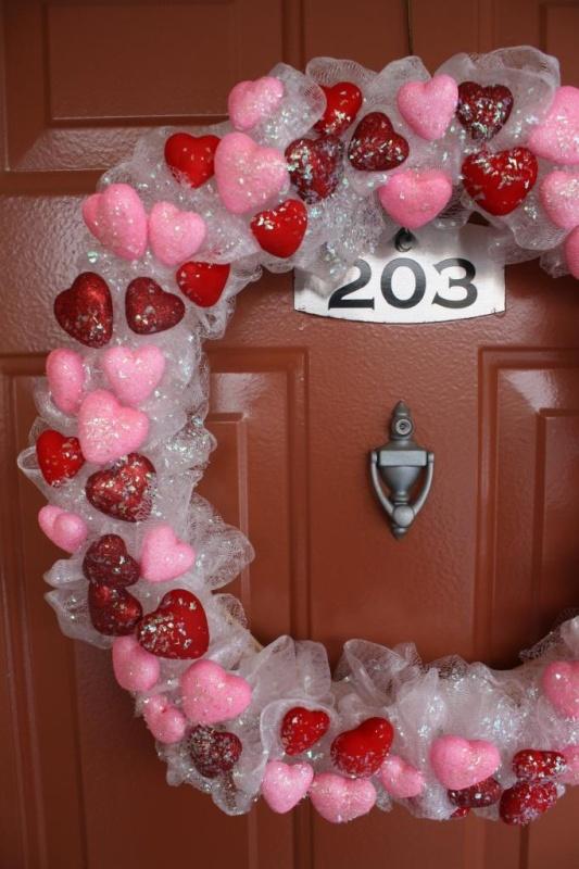 dollar-tree-diy-valentines-wreath