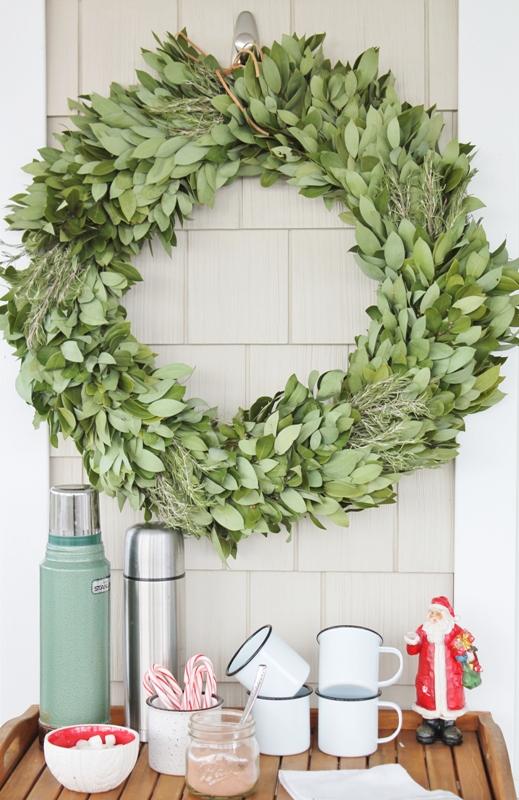 farmhouse-outdoor-christmas-decorating-ideas