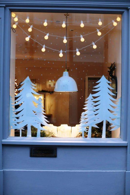 rustic-christmas-decorations-window