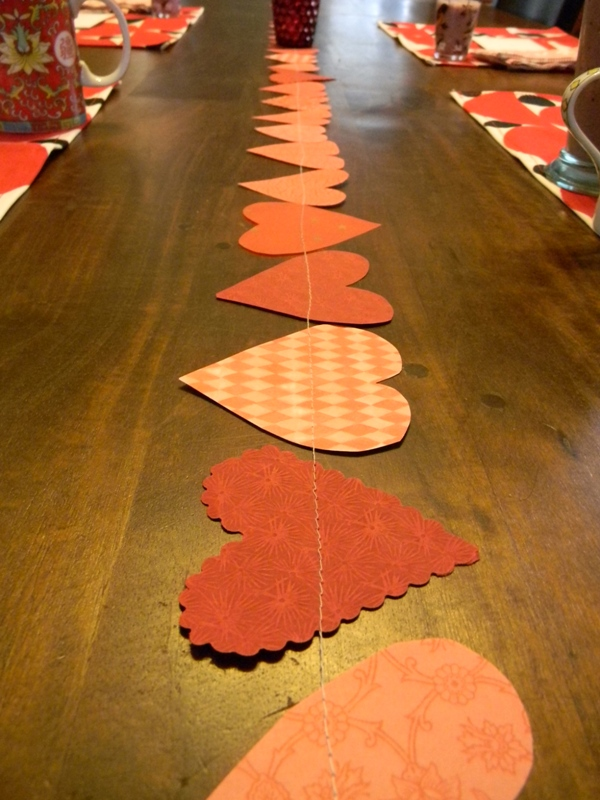 paper-heart-table-runner