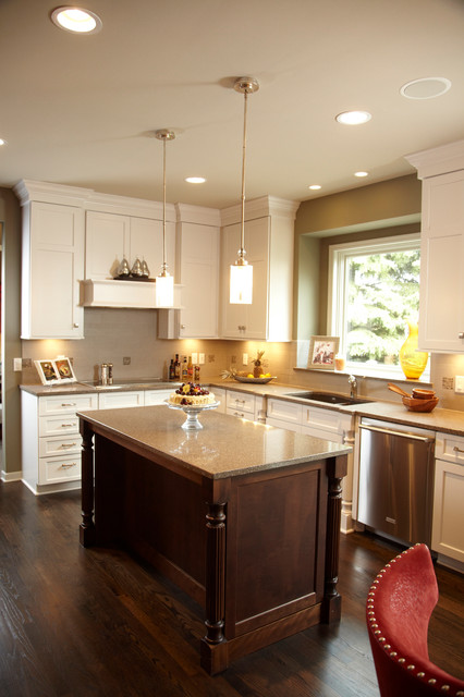 White Craftsman Kitchen Design