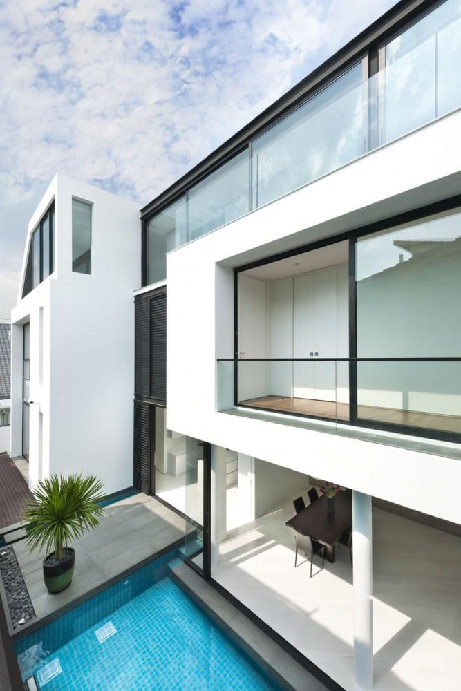 Modern Linear Exterior Design