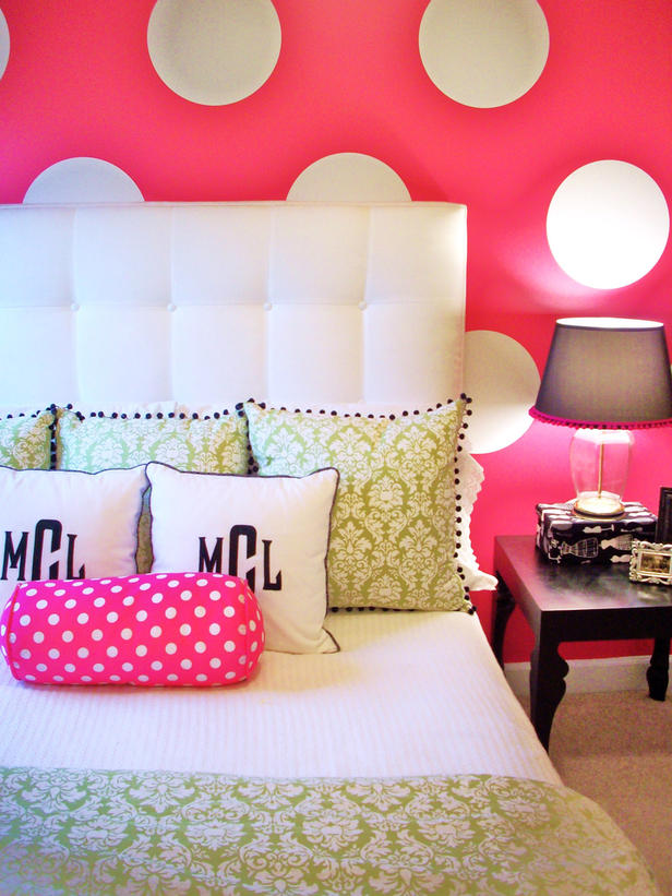 Teen Girl Bedroom Polka Dot Wall