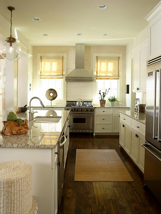 Transitional White Kitchen Cabinets