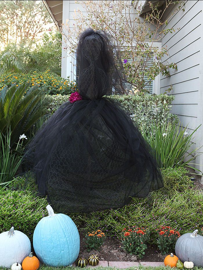 Chicken Wire Outdoor Halloween Decorations Ideas