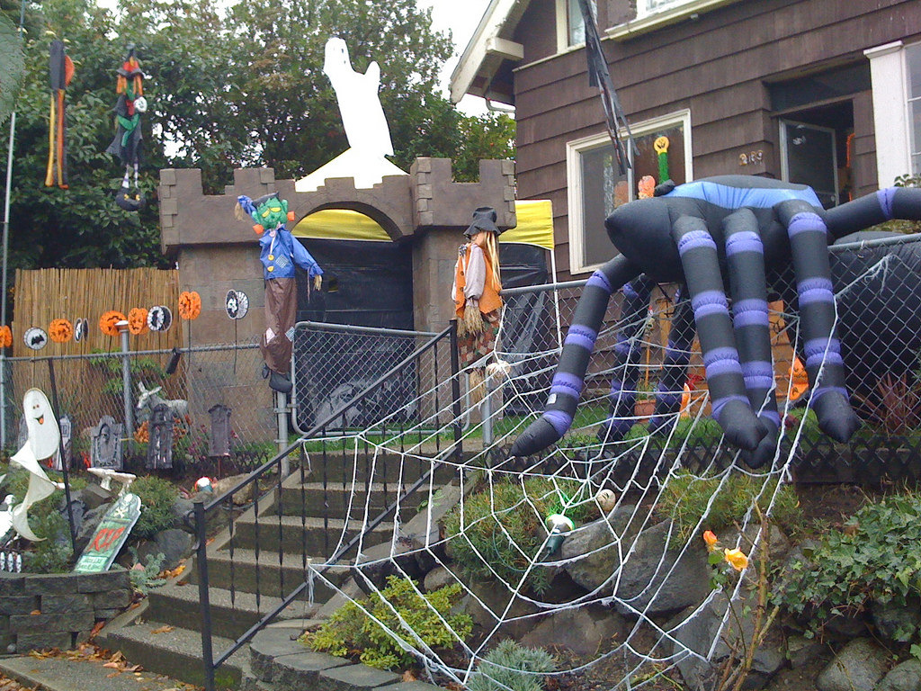 Large Outdoor Halloween Decorations
