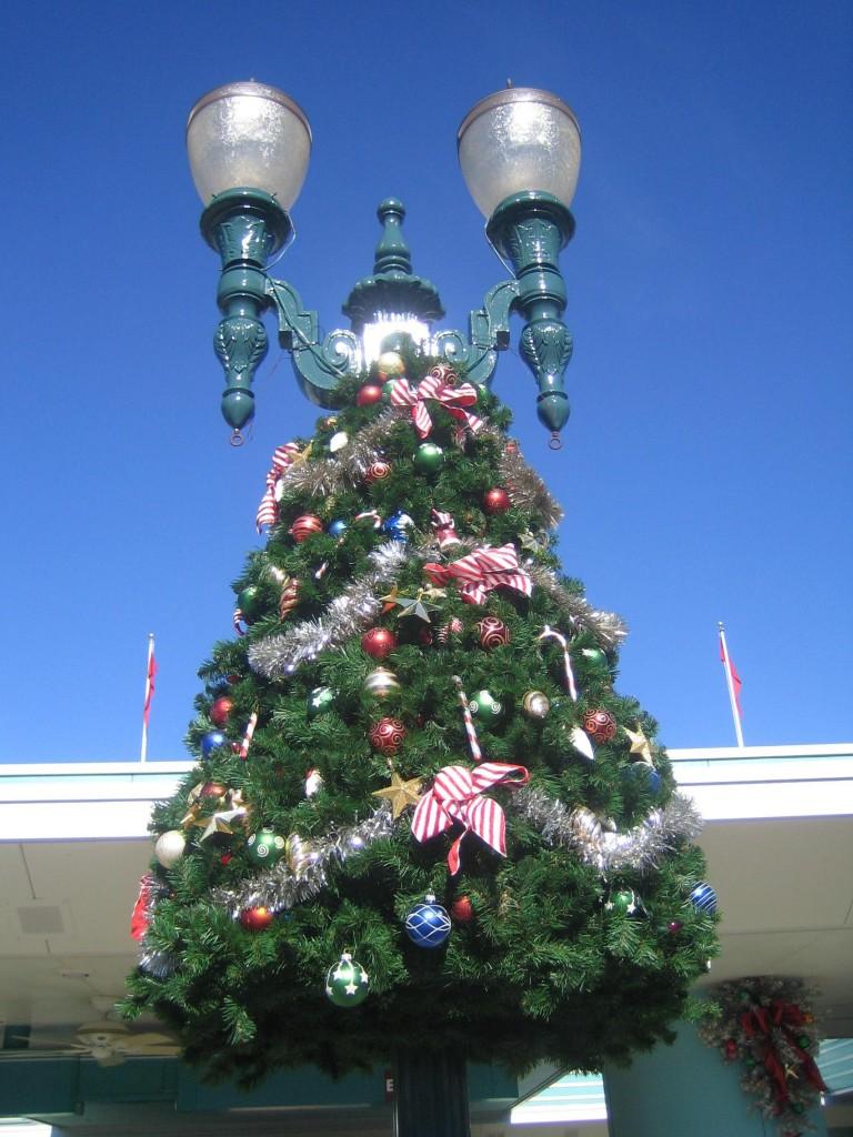 Disney Hollywood Studios Christmas Decorations Ideas
