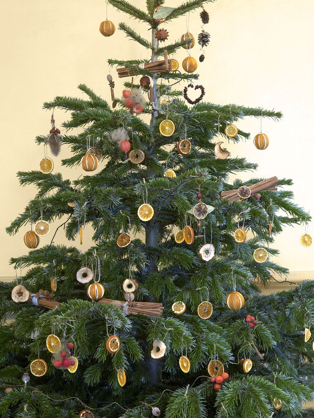 Natural Christmas Tree Decorating Ideas