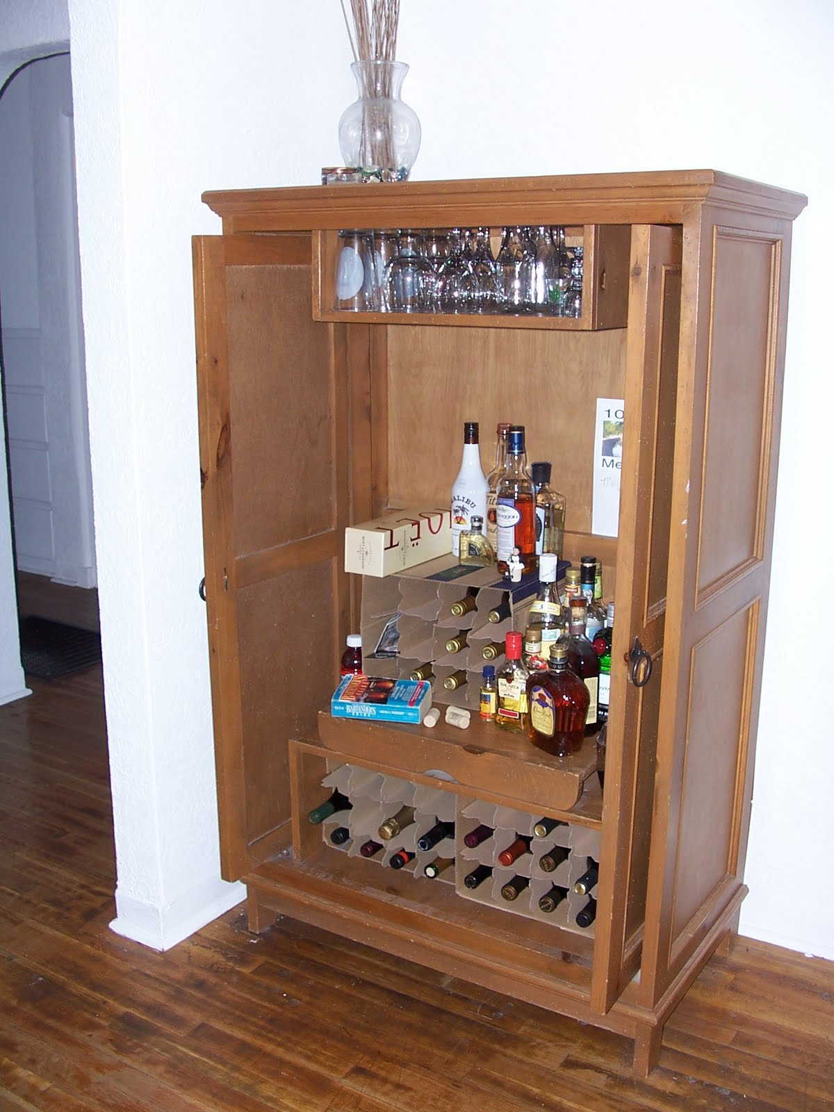 Small Wet Bar Design
