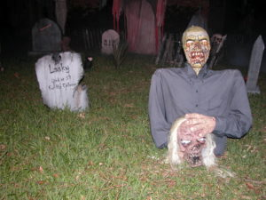 Creepy Outdoor Halloween Decorations
