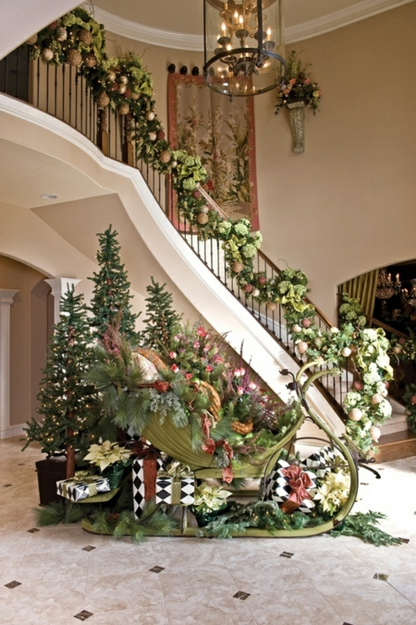 Christmas Decoration Ideas for Staircase