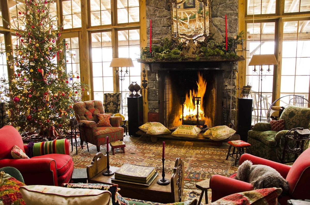 35 Living Room Christmas Decorations Ideas To Copy