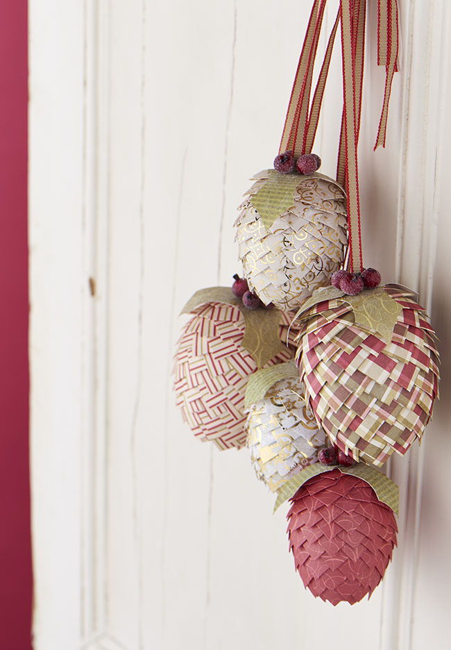 How to Make Pine Cone Christmas Decorations