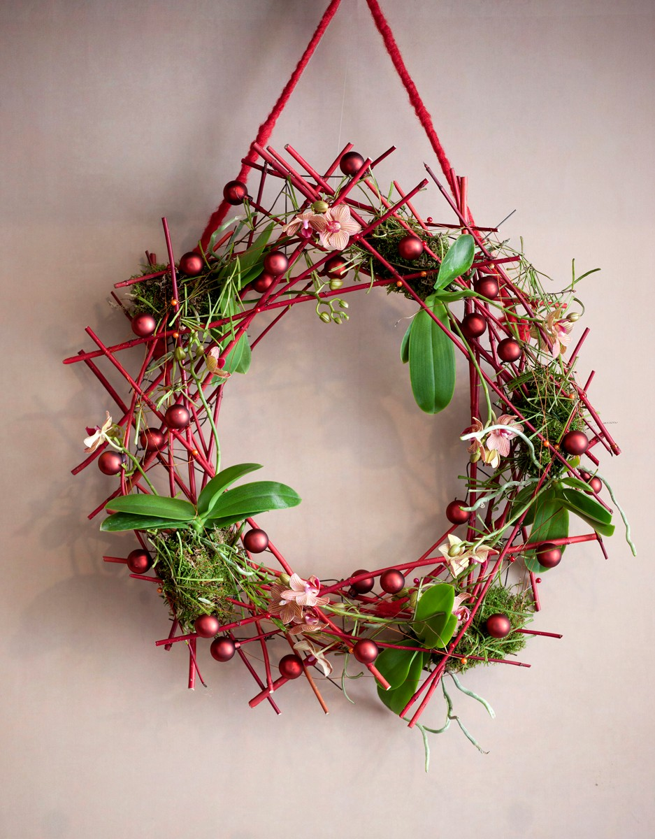 Natural Christmas Table Decorations