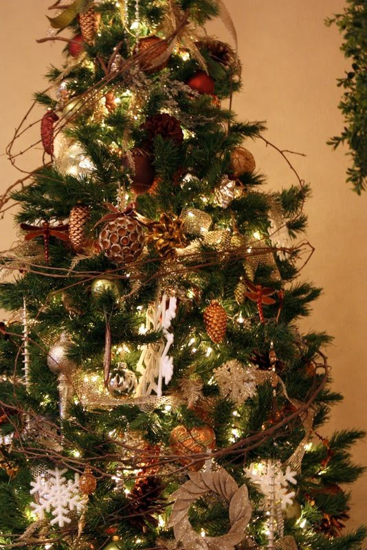 rustic-christmas-tree-ideas