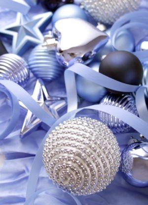 35 Blue Christmas Decorations Ideas