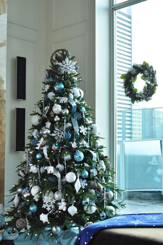 blue-and-silver-christmas-tree-ideas