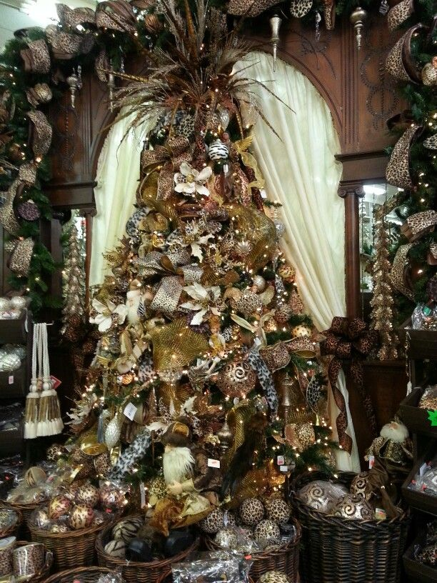 brown-and-gold-christmas-tree-design