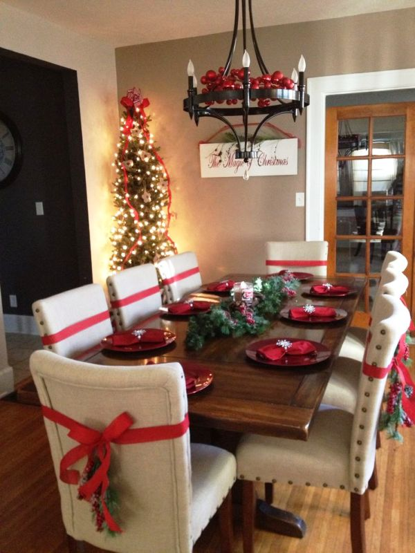 christmas-decorating-ideas-dining-room-chair