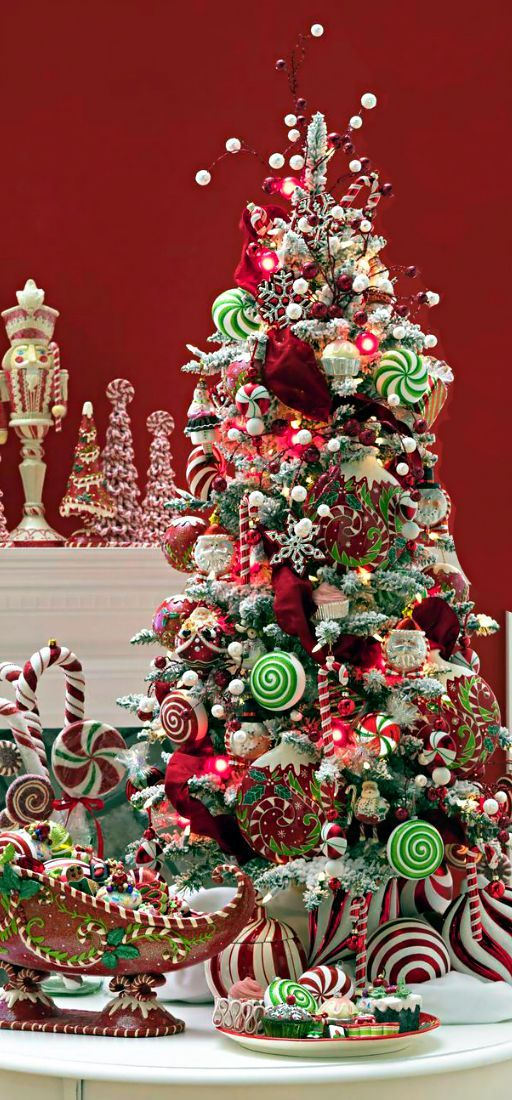 christmas-tree-decorated-with-candy