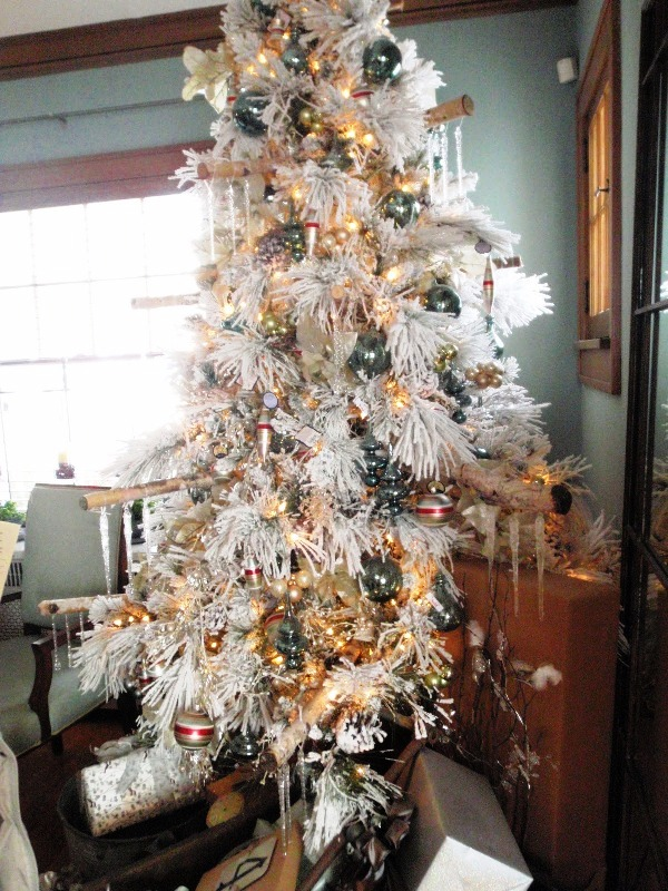 elegant-decorated-christmas-trees
