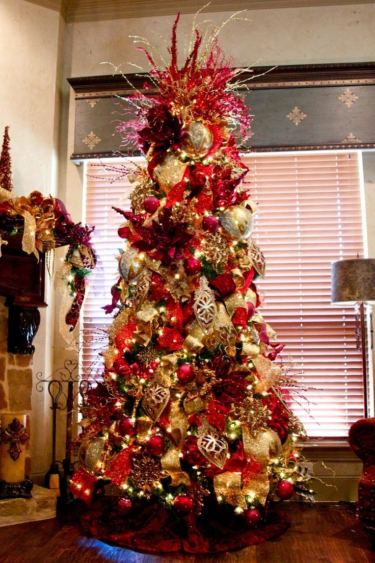 elegant-red-and-gold-christmas-tree