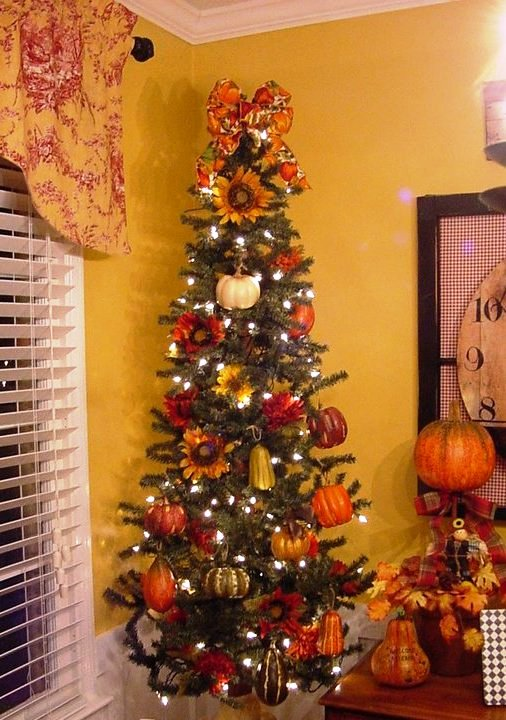 fall-christmas-tree-decorations