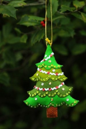 50 Christmas Tree Decorations With Ornaments