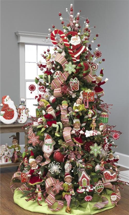 red-and-green-christmas-tree
