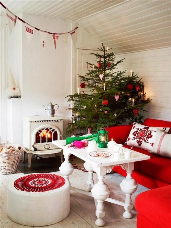 red-and-white-christmas-living-room