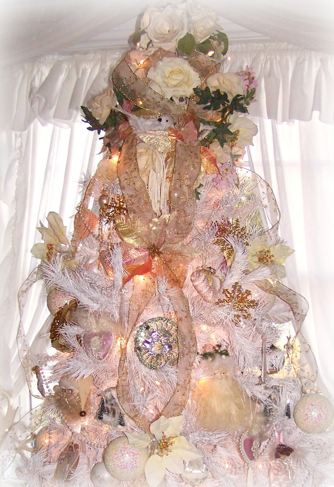 romantic-shabby-chic-christmas-tree