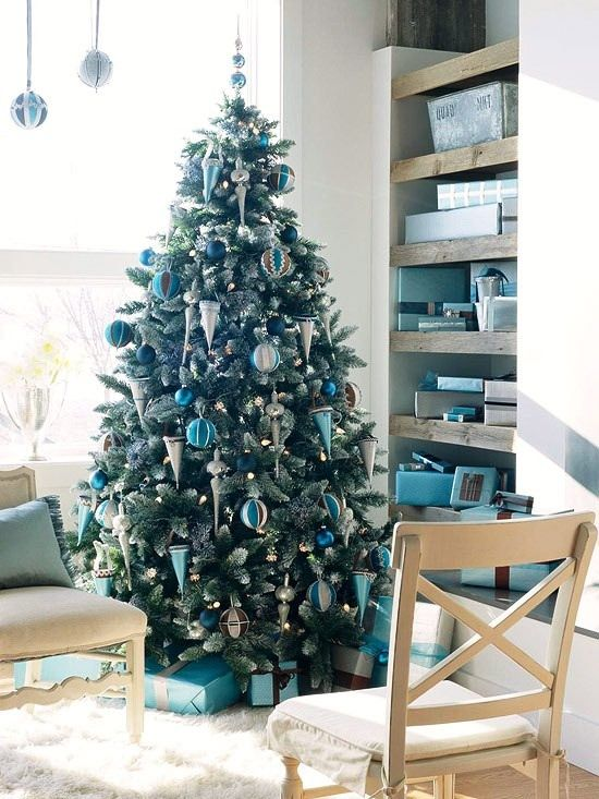 teal-and-silver-christmas-tree-ideas