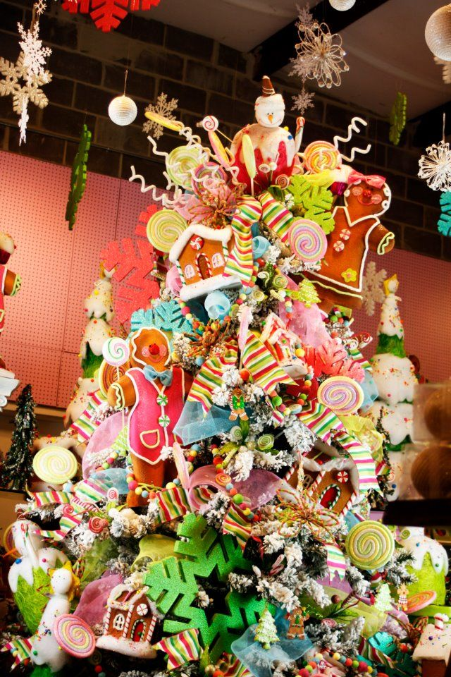 visions-of-sugar-plums-christmas-tree